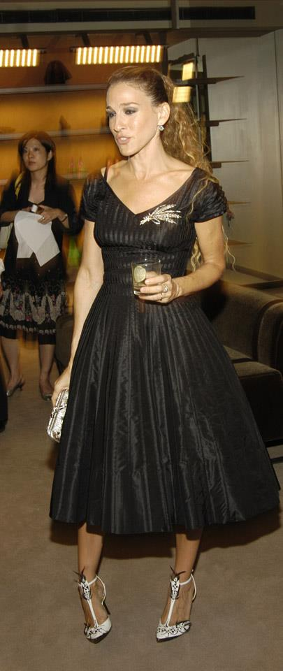 <strong>2004</strong> <br><br> Taking a break from Manolo at a Bottega Veneta store launch.