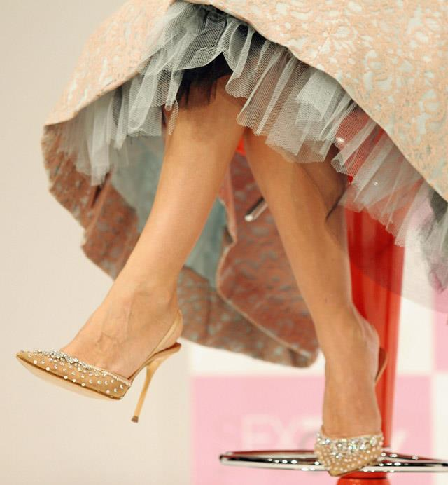 <strong>2004</strong> <br><br> SJP's feet (and some tulle) promote the DVD release of SATC season 6.