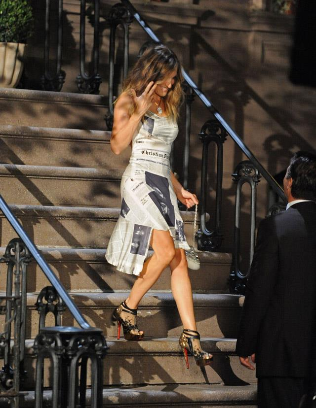 <strong>2009</strong> <br><br> Fearlessly walking down stairs in five-inch heels while filming SATC 2.