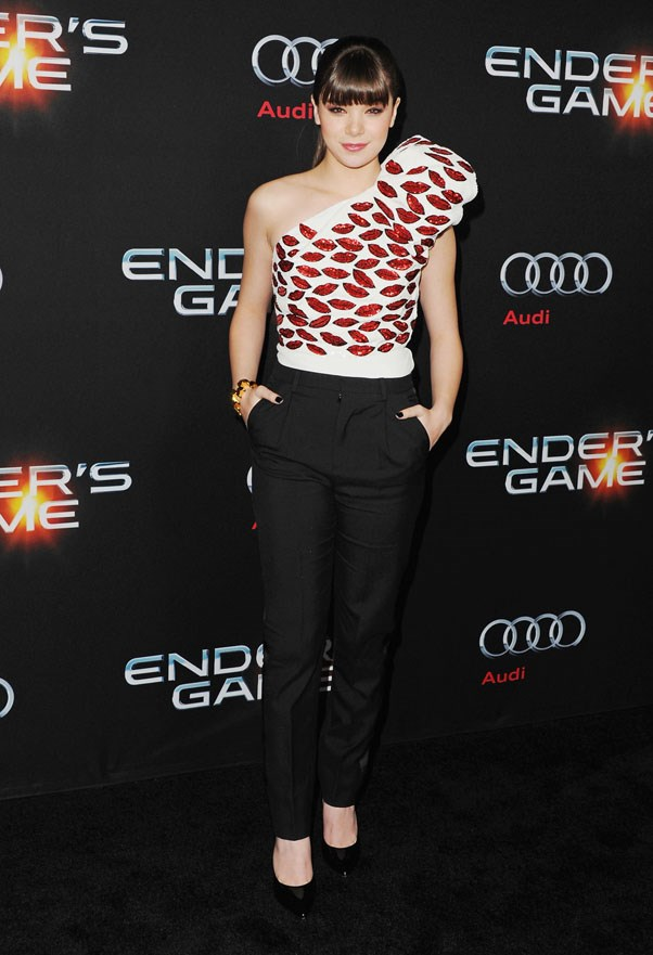 <strong>Hailee Steinfeld</strong><br><br> At the premiere for <em>Ender's Game</em>, 2013