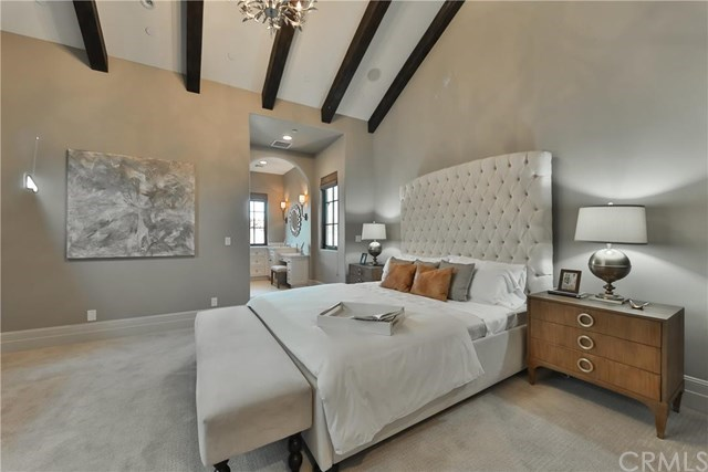 And another bedroom—not the master, if you can believe it.