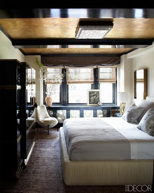 """Cameron Diaz, via <a href=""""http://www.architecturaldigest.com/gallery/cameron-diaz-greenwich-village-apartment-nyc-on-sale-warburg-realty-designed-by-kelly-wearstler/all"""">Architectural Digest</a>."""