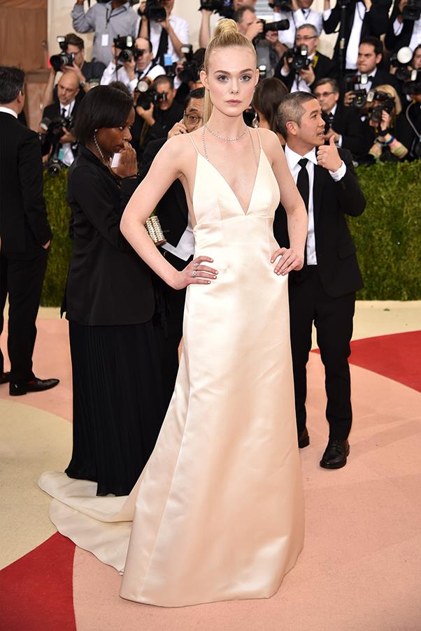 Elle Fanning in Thakoon and Tiffany & Co. jewellery