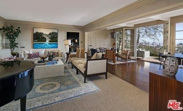 """Floor to ceiling city and ocean views? Yes please. <br><br> Image: <a href=""""http://guests.themls.com/Details/CA/LOS-ANGELES/655-MACCULLOCH-DR/90049/16-979675.aspx"""">theMLS.com</a>"""
