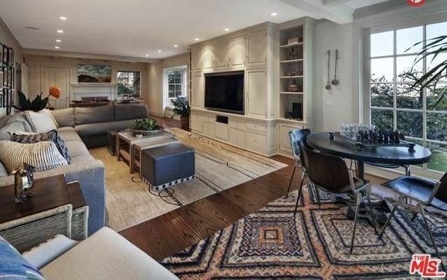 """Yes, we can see ourselves being very comfortable here. <br><br> Image: <a href=""""http://guests.themls.com/Details/CA/LOS-ANGELES/655-MACCULLOCH-DR/90049/16-979675.aspx"""">theMLS.com</a>"""