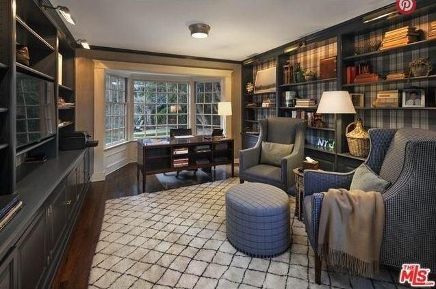 """This is definitely one of the cosiest study nooks we've ever seen. <br><br> Image: <a href=""""http://guests.themls.com/Details/CA/LOS-ANGELES/655-MACCULLOCH-DR/90049/16-979675.aspx"""">theMLS.com</a>"""