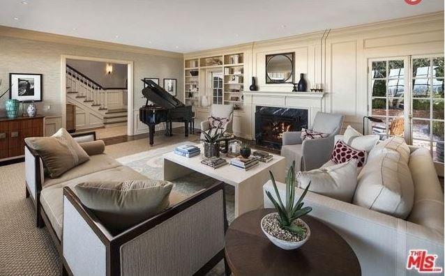 """Grand piano? Tick. <br><br> Image: <a href=""""http://guests.themls.com/Details/CA/LOS-ANGELES/655-MACCULLOCH-DR/90049/16-979675.aspx"""">theMLS.com</a>"""