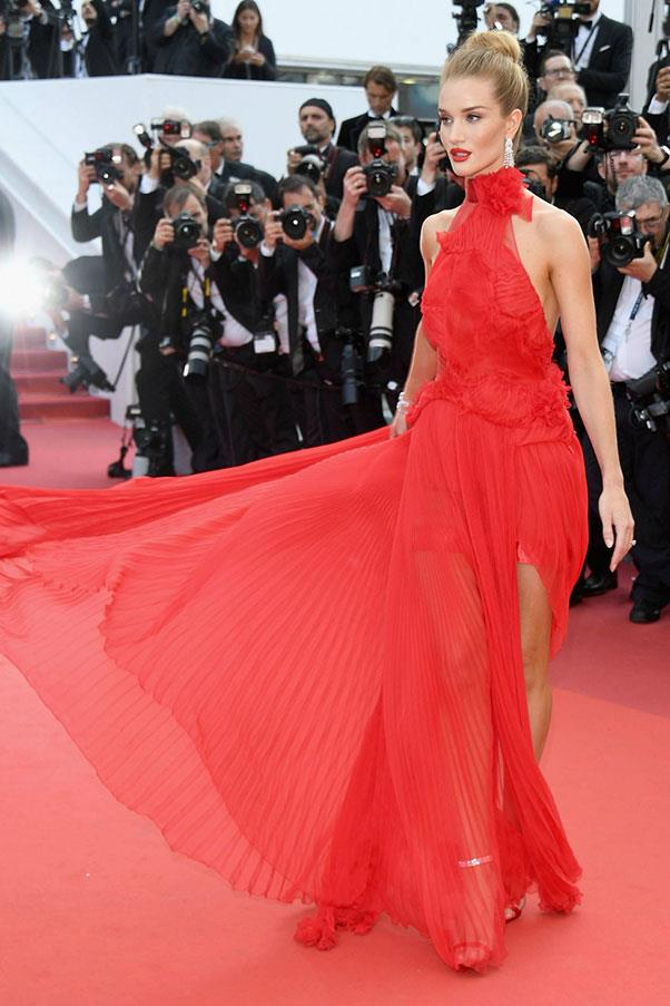 <strong>Rosie Huntington-Whiteley</strong> <br><br> In Alexandre Vauthier