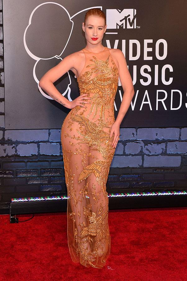 <strong>Iggy Azalea </strong> <br><br> Iggy Azalea attended the 2013 MTV Video Music Awards, donning only sparkles where they were needed and a bright red lip.