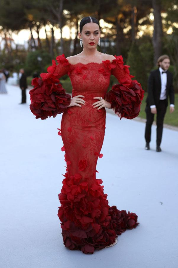 Katy Perry <br><br> In a Marchesa dress, Giuseppe Zanotti Design shoes, and Harry Winston jewellery.