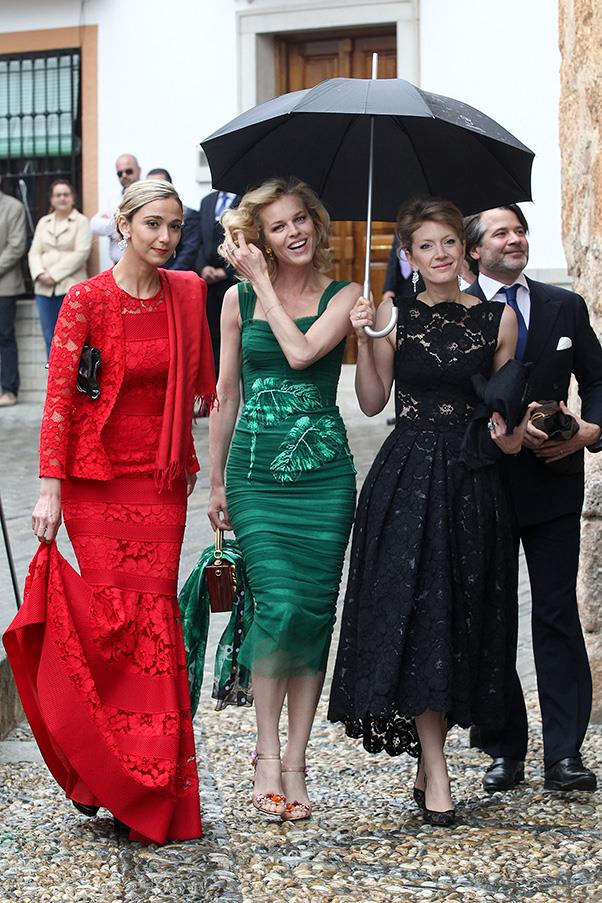 Eva Herzigova (middle) in Dolce & Gabbana