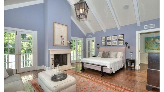 """Anyone else wanting to go out and paint their bedroom """"lilac""""?"""