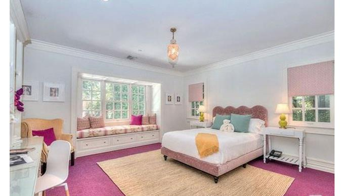 A child-appropriate bedroom (although, the decor may be changed for Adele's three-year-old son Angelo).