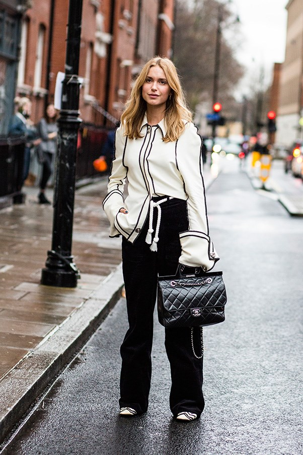 <strong>5. A perfect everyday bag</strong> <br><br> Pernille Teisbaek with a Chanel bag