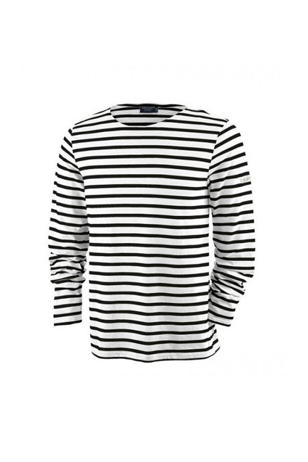 "<strong>29. A 'Breton' tee</strong> <br><br> 'Minquiers Moderne' unisex Breton striped shirt by Saint James, $75, <a href=""http://www.saintjamesboutique.com/nautical-fashion-for-women/nautical-stripe-shirt/minquiers-moderne.html"">Saint James</a>"