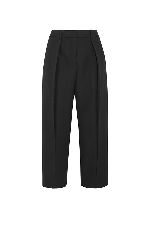 "<strong>41. A cropped black pant</strong> <br><br> 'Saville' cropped wool-crepe wide-leg pants by Joseph, $359, <a href=""https://www.net-a-porter.com/au/en/product/610625/Joseph/saville-cropped-wool-crepe-wide-leg-pants"">Net-A-Porter</a>"