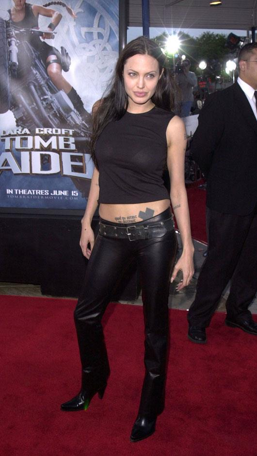 <strong>2001</strong> <br><br> The <em>Tomb Raider</em> Los Angeles Premiere