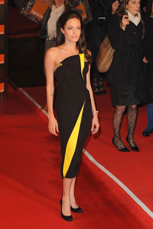 <strong>2009</strong> <br><br> In Armani Privé at the BAFTA Awards.