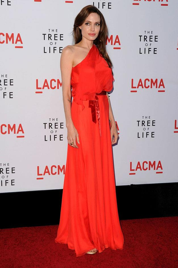 <strong>2011</strong> <br><br> In Jenny Packham at the <em>The Tree of Life</em> Los Angeles premiere.