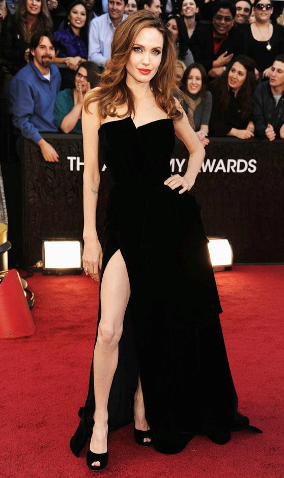 <strong>2012</strong> <br><br> In Atelier Versace at the Academy Awards.