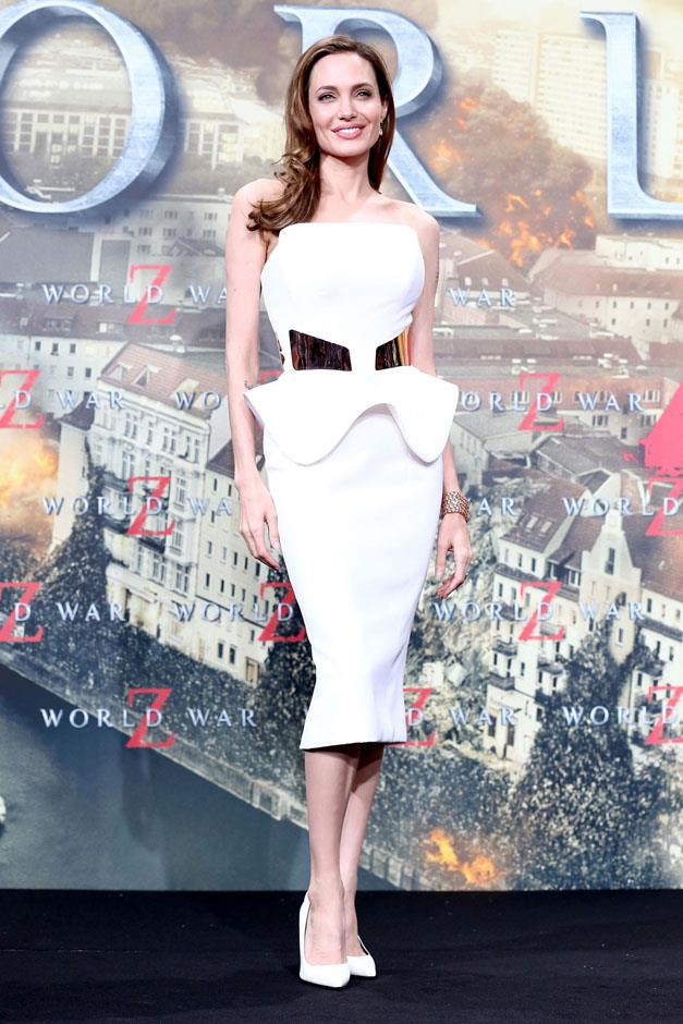 <strong>2013</strong> <br><br> In Ralph & Russo at the <em>World War Z</em> German premiere.