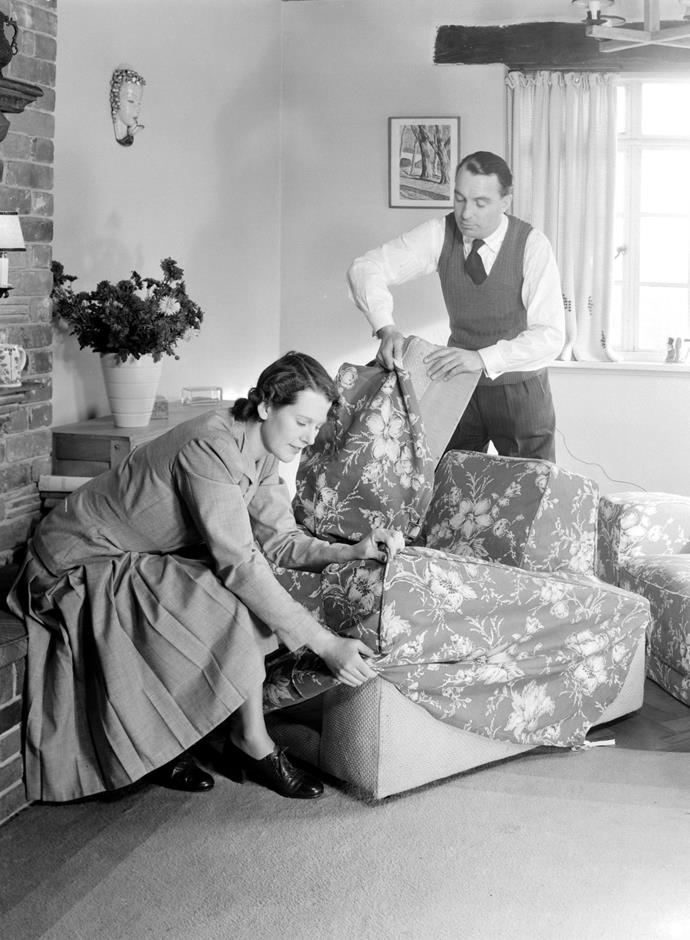 <strong>1949</strong> <br><br> Couples get in the act of slipcovering to give a fresh feel to their current pieces in this thrift-minded year.
