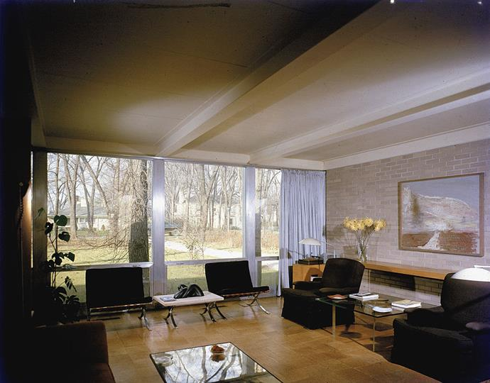 <strong>1956</strong> <br><br> In the interior of the Robert McCormick House in Elmhurst, Illinois, low-slung furniture doesn't distract from a gorgeous view.