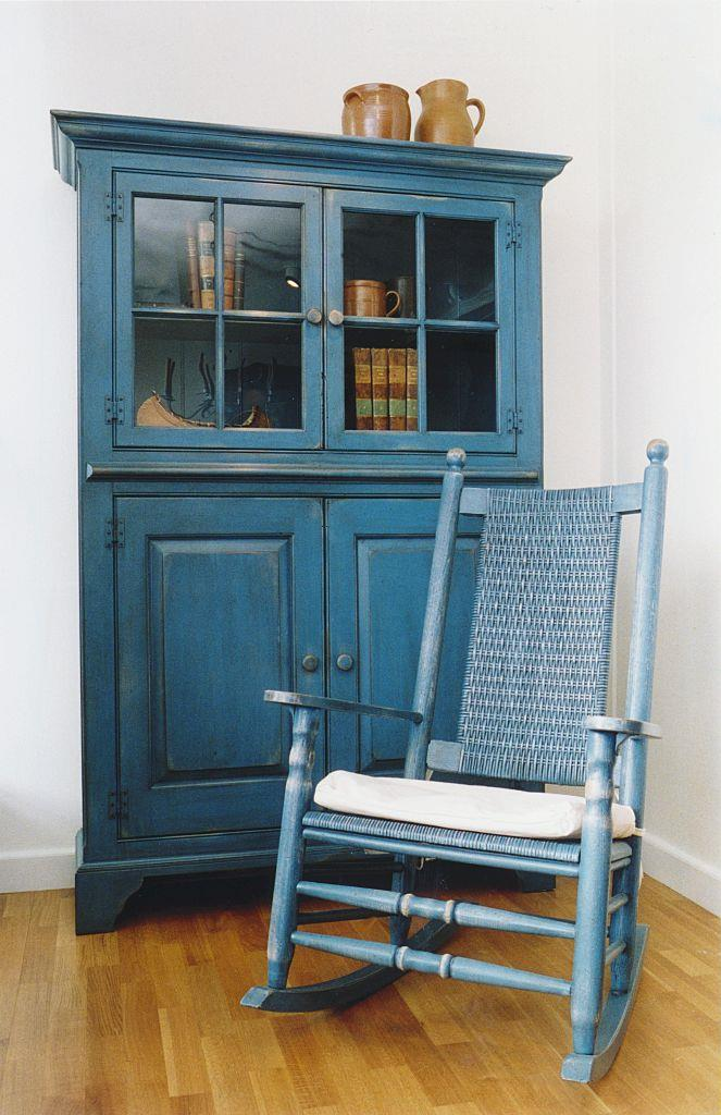 "<strong>1993</strong> <br><br> Creative painting effects weren't limited to the walls. ""Antiqued"" paint effects also helped DIY types enhance the look of furniture."