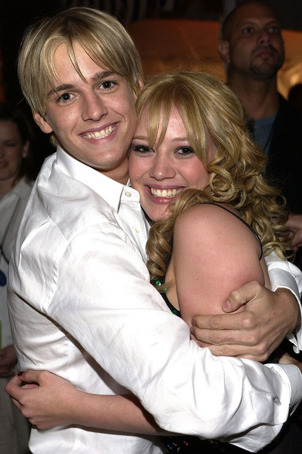 <strong>Aaron Carter and Hilary Duff</strong> <br><br> This was definitely one of the most drama-filled love triangles in celeb history. At the same time he dated Hil, he also dated Lindsay Lohan. Ouch.