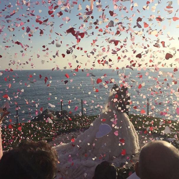 "Instagram: <a href=""https://www.instagram.com/p/BGe_lk9uSb_/"">@karlamartinezdesalas</a>"