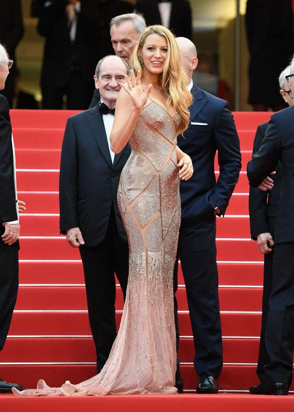 <strong>May 11th, 2016</strong> <br><br> At the <em>Cafe Society</em> premiere, Lively gave us Old Hollywood glamour and plenty of curves in a nude Versace gown.
