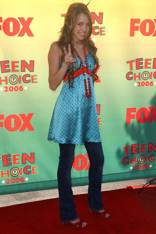<strong>Dresses over jeans</strong><br><br> Miley Cyrus, 2006