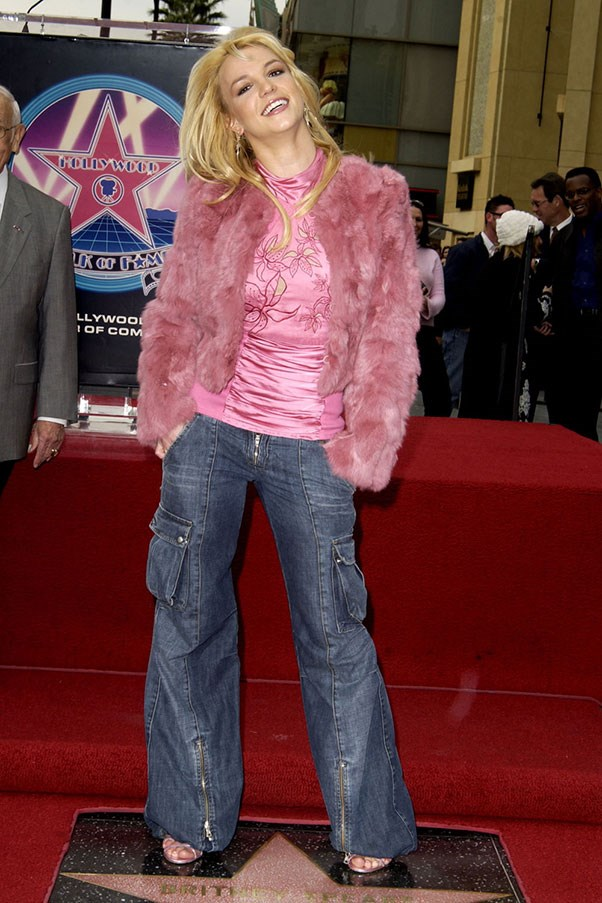 <strong>Cargo pants</strong><br><br> Britney Spears, 2003