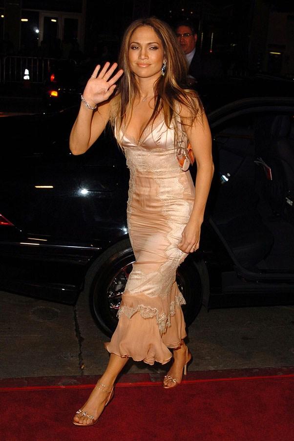<strong>Lacy slip dresses</strong><br><br> Jennifer Lopez, 2003