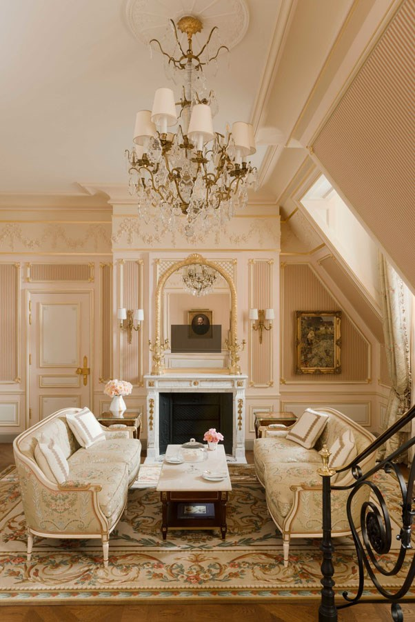 <strong>Another view of the César Ritz suite shows its pink palate</strong>