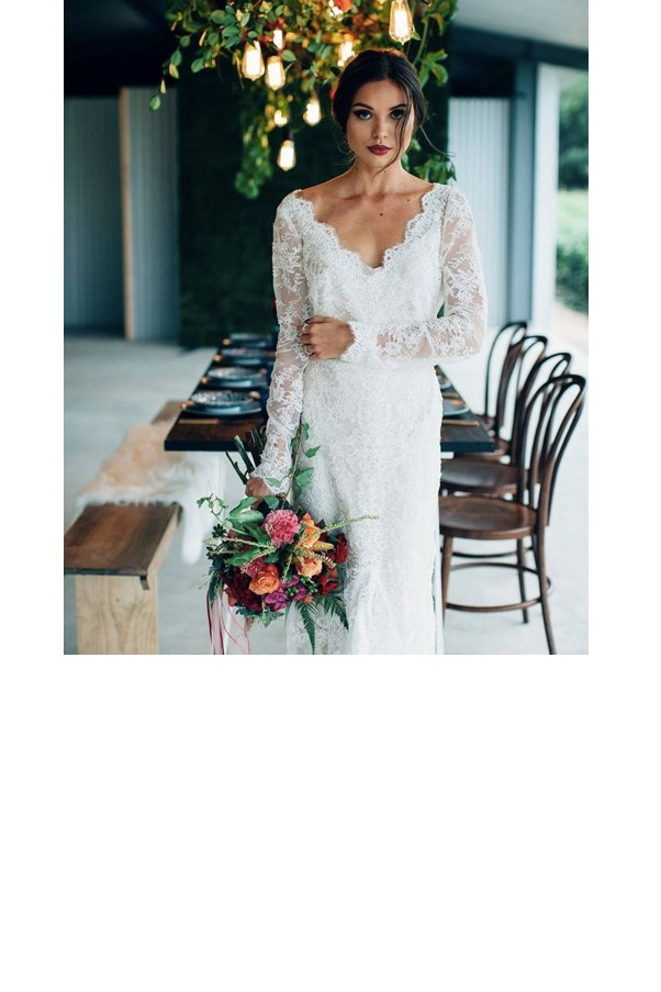 "<strong>Karen Willis Holmes</strong> <br><br> One of Paddington's most established bridal designers for over ten years, her boutiques across Australia and New York stock her three collections: BESPOKE, KWH by KAREN WILLIS HOLMES and WILD AT HEART. <br><br> Instagram: <a href=""https://www.instagram.com/kwhbridal/?hl=en"">@kwhbridal</a>"