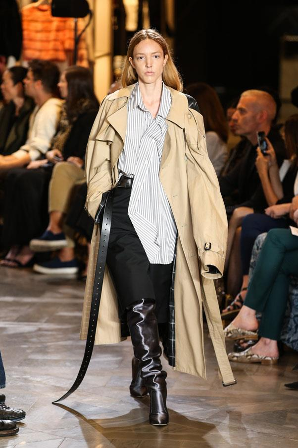 <strong>Cowboy boots:</strong> <br><br> Lucchese <br><br> Trench coats: <br><br> Mackintosh