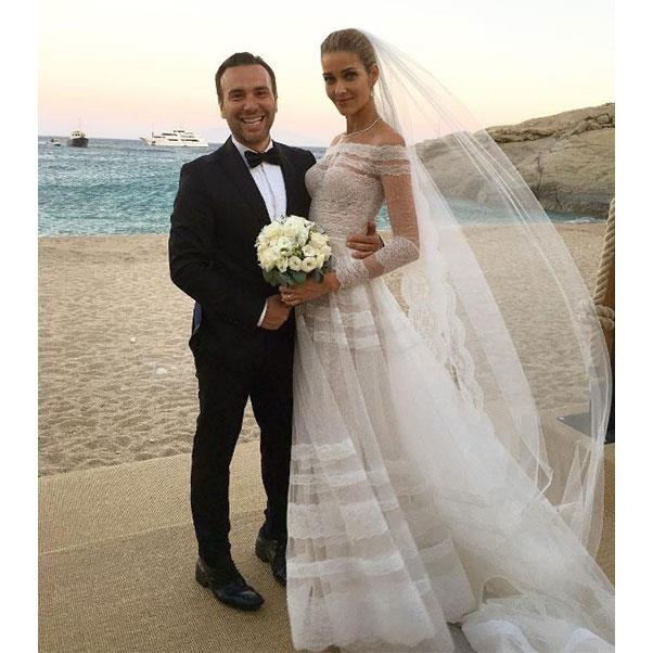 "The bride and Brazilian fashion reporter Matheus Mazzafera <br><br> Instagram: <a href=""https://www.instagram.com/p/BHrrHMJDeUa/?taken-by=matmazzafera"">@matmazzafera</a>"