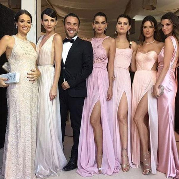 "The bridal party<br><br> Instagram: <a href=""https://www.instagram.com/p/BHnEY2gjO5m/?taken-by=fernandamottaoficial"">@fernandamottaoficial</a>"