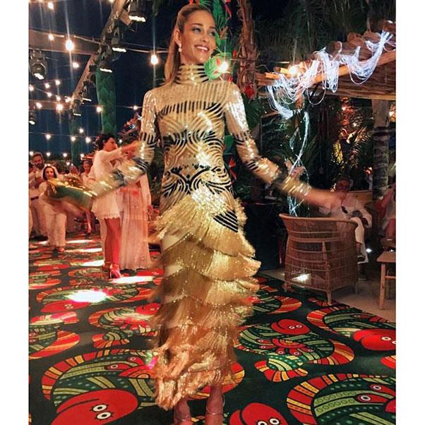 "The second outfit change of the night - a fringed gold Naeem Khan number for the reception<br><br> Instagram: <a href=""https://www.instagram.com/p/BHuRtlvgOMV/?taken-by=naeemkhannyc"">@naeemkhannyc</a>"