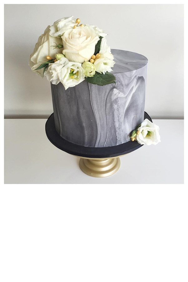 """<strong>Ivy + Stone Cake Design</strong> <br><br> <strong>Location:</strong> Sydney <br><br> <strong>Instagram:</strong> <a href=""""https://www.instagram.com/ivyandstonecakedesign/"""">ivyandstonecakedesign</a>"""