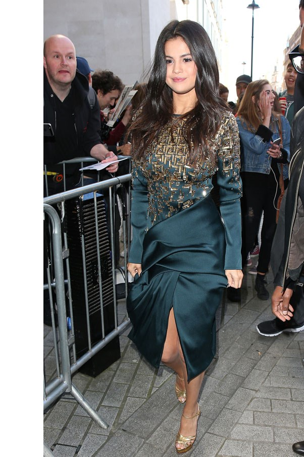 <strong>September 25, 2015</strong> <br><br> Selena raised the style stakes in London wearing an Antonio Beradi wrap dress.