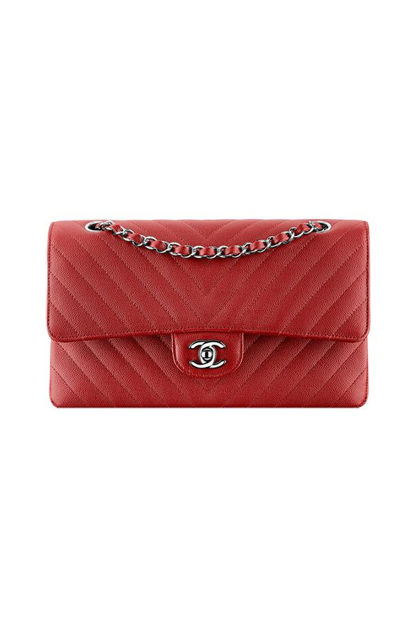 "<strong>3. A Chanel Flap Bag</strong> <br><br>There's a reason that you never go a season without seeing a Chanel flap bag on the streets of Paris, New York or Milan — because it never goes out of style. <br><br><a href=""http://www.chanel.com/en_AU/fashion/products/handbags/g/s.flap-bag-grained-calfskin-dark.16S.A01112Y605982B491.sto.new.html"">Chanel</a>"