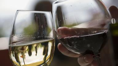 Apparently, Couples Who Drink Together Are Happier