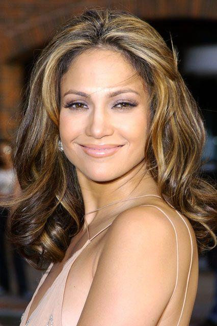 But JLO kept trying to channel the ultimate 90s hair (the 'Rachel') as the 2000s wore on.