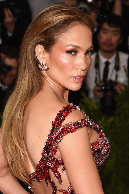 And now, we make it to the 2015 Met Gala: the epitome of JLo glam.
