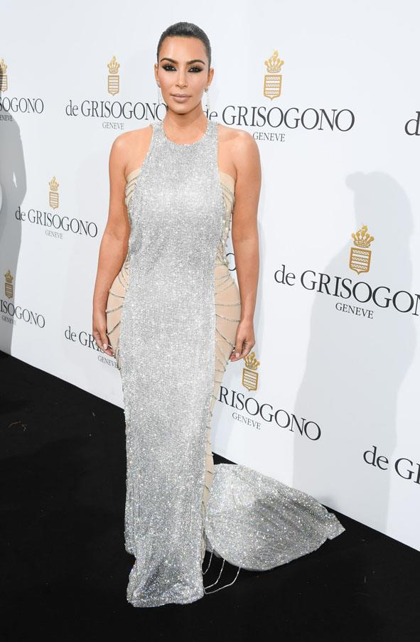 Wearing a Lan Yu Crystal-Embellished Couture Gown at the De Grisogono party, May 2016