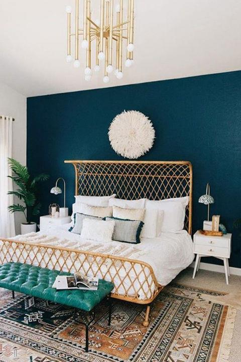 """<strong>Simply Grove: The Wonder Wall</strong> <br><br> Kirsten Grove's signature style involves plenty of white, pink, and eye-catching interior tricks, like statement walls and retro furniture. Essentially, this interior stylist is creating every woman's dream house. <br><br> <a href=""""https://www.instagram.com/simplygrove/"""">@simplygrove</a>"""