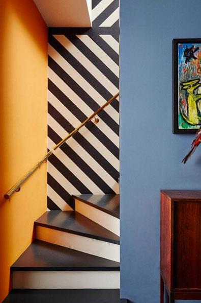 """<strong>Arents&Pyke: Pattern Play</strong> <br><br> A boutique-interiors agency based in Sydney, Arent&Pyke delivers snapshots of their work, like this patchwork approach to wall treatment, and other inspiring interiors that prove colours can clash and prints can mix. <br><br> <a href=""""https://www.instagram.com/arentpyke_inout/"""">@arentpyke_inout</a>"""