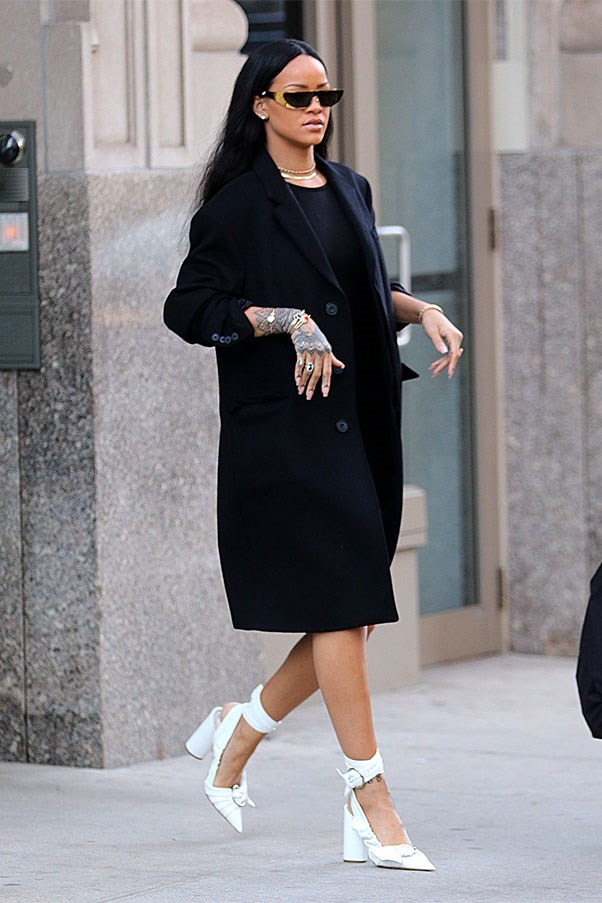 <strong>When:</strong> March 30th, 2016<br><br> <strong>What:</strong> In Dior shoes and Dior x Rihanna glasses.